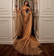 Belinda Dragoti model (modele). Belinda Dragoti demonstrating Fashion Modeling, in a photoshoot by Korab Kusari.photographer: Korab KusariFashion Modeling Photo #214849