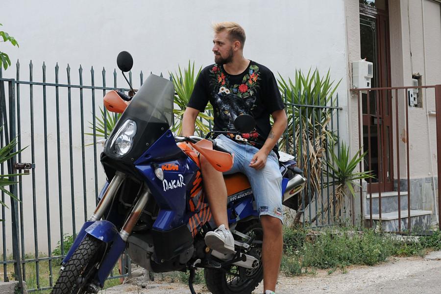 Bill Kapsalos Μοντέλο