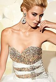 Brittany Mason model. Photoshoot of model Brittany Mason demonstrating Face Modeling.Face Modeling Photo #113904