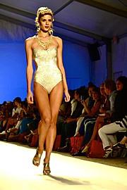 Brittany Mason model. Photoshoot of model Brittany Mason demonstrating Runway Modeling.Runway Modeling Photo #113907