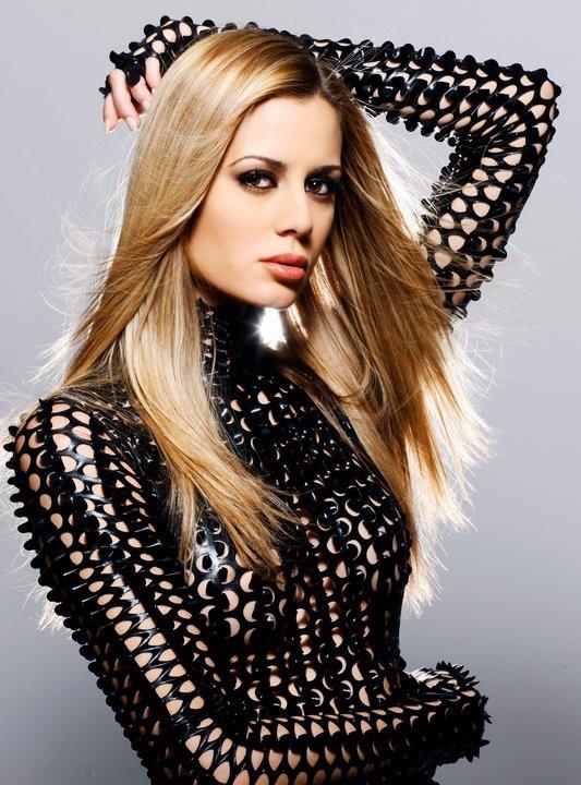 Brittany Mason model. Photoshoot of model Brittany Mason demonstrating Face Modeling.Face Modeling Photo #113937