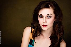 Brittnee Hollenbach model. Photoshoot of model Brittnee Hollenbach demonstrating Face Modeling.Face Modeling Photo #115439