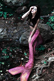 Brittnee Hollenbach model. Photoshoot of model Brittnee Hollenbach demonstrating Commercial Modeling.Commercial Modeling Photo #115442