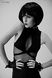 Brittnee Hollenbach model. Photoshoot of model Brittnee Hollenbach demonstrating Face Modeling.Face Modeling Photo #115451