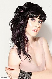 Brittnee Hollenbach model. Photoshoot of model Brittnee Hollenbach demonstrating Face Modeling.Face Modeling Photo #115454