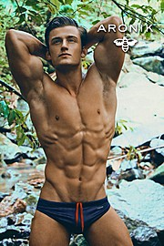 Bryant Wood model & actor. Photoshoot of model Bryant Wood demonstrating Body Modeling.Body Modeling Photo #103813
