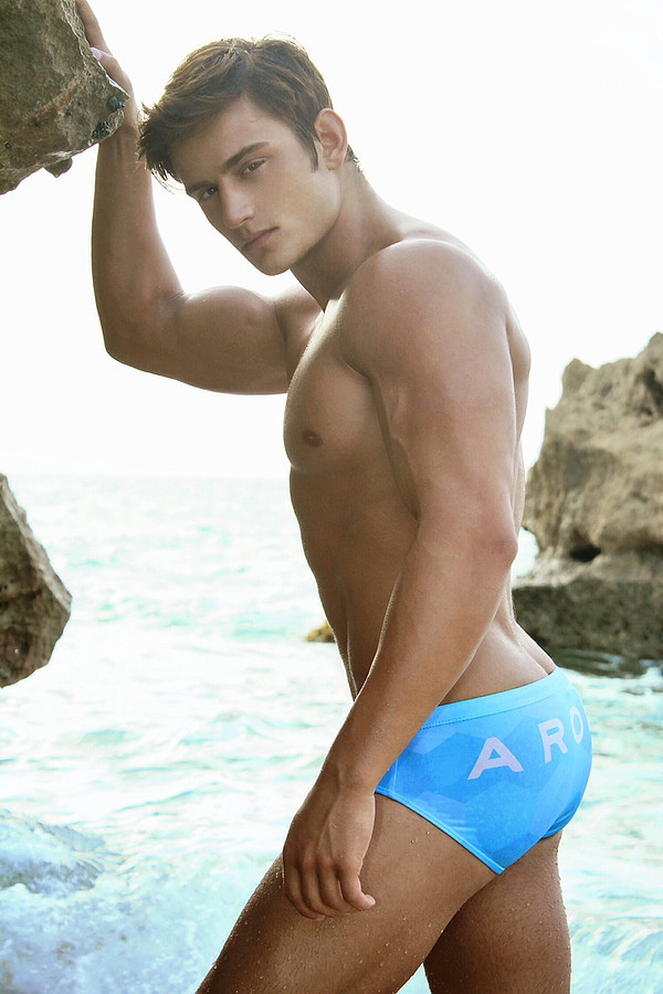 Bryant Wood model & actor. Photoshoot of model Bryant Wood demonstrating Body Modeling.Body Modeling Photo #103828
