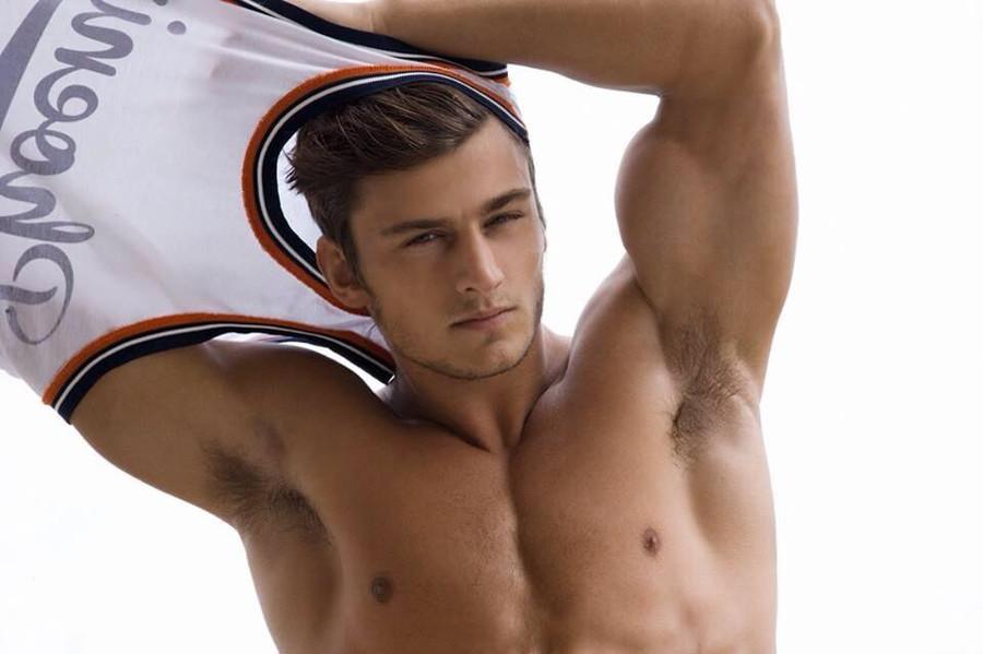 Bryant Wood model & actor. Photoshoot of model Bryant Wood demonstrating Face Modeling.Face Modeling Photo #103832