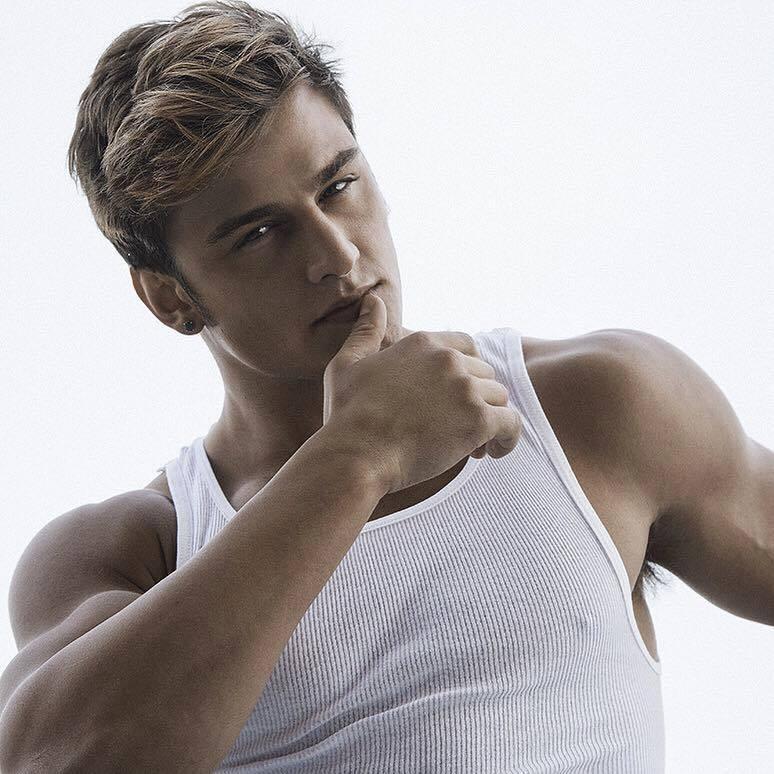 Bryant Wood model & actor. Photoshoot of model Bryant Wood demonstrating Face Modeling.Face Modeling Photo #147634