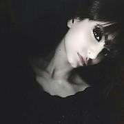 Buthena Hajjar model. Photoshoot of model Buthena Hajjar demonstrating Face Modeling.Face Modeling Photo #216480