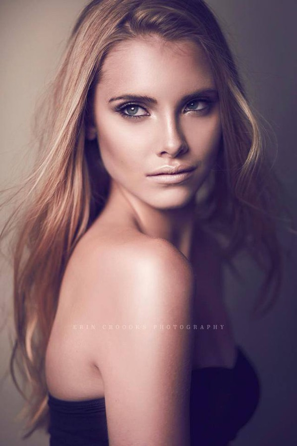 Caitlyn Dixon Makeup Artist