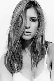 Carissa Ferreri Makeup Artist