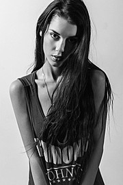 Born in Verona on October 28th 1994, Carmen was always attracted by photography and the fashion industry. At the age of 8 she started to dan