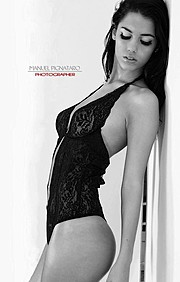 Carmen Vantini model (modella). Carmen Vantini demonstrating Fashion Modeling, in a photoshoot by Manuel Pignataro.Fashion Modeling Photo #92449