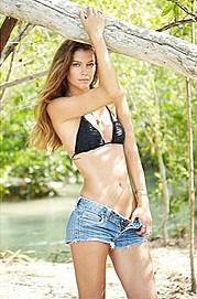 Carrie Amstutz model. Photoshoot of model Carrie Amstutz demonstrating Fashion Modeling.Fashion Modeling Photo #165478