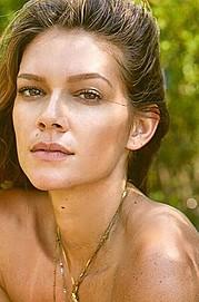 Carrie Amstutz model. Photoshoot of model Carrie Amstutz demonstrating Face Modeling.Face Modeling Photo #177947