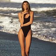 Carrie Amstutz model. Photoshoot of model Carrie Amstutz demonstrating Body Modeling.Body Modeling Photo #196710