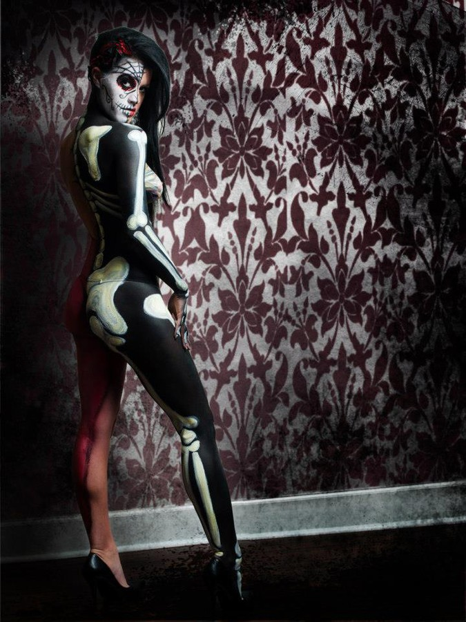 Catriona Armour makeup artist & hair stylist. Work by makeup artist Catriona Armour demonstrating Body Painting.Editorial Styling,Body Painting Photo #59676