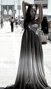 Chanise Sharay Smith model. Chanise Sharay Smith demonstrating Fashion Modeling, in a photoshoot by Thomas DE Leon.PHOTOGRAPHER: THOMAS DE LEONFashion Modeling Photo #102810