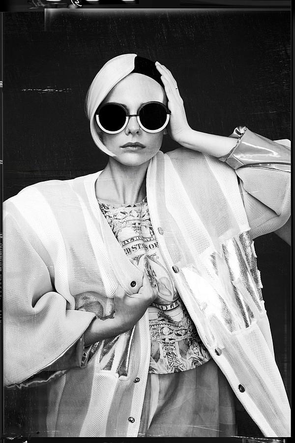 Charlie Melchiori model (modèle). Photoshoot of model Charlie Melchiori demonstrating Face Modeling.Photographe : Quentin LegalloMake up/ Hair: Yoana Stylisme: Marie SciroccoFace Modeling Photo #115336