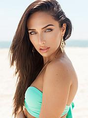 Chelsea Pereira model & actress. Photoshoot of model Chelsea Pereira demonstrating Face Modeling.Face Modeling Photo #115378