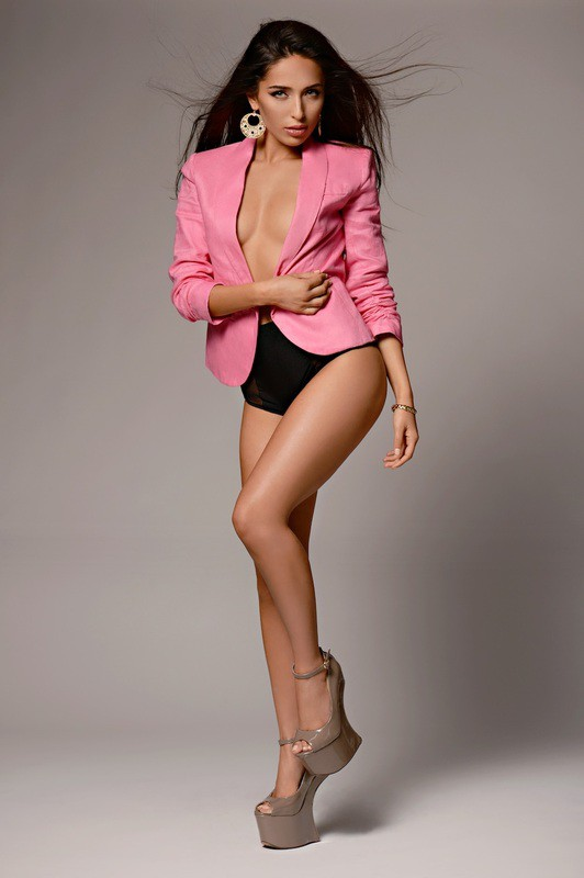 Chelsea Pereira model & actress. Photoshoot of model Chelsea Pereira demonstrating Fashion Modeling.Fashion Modeling Photo #115408