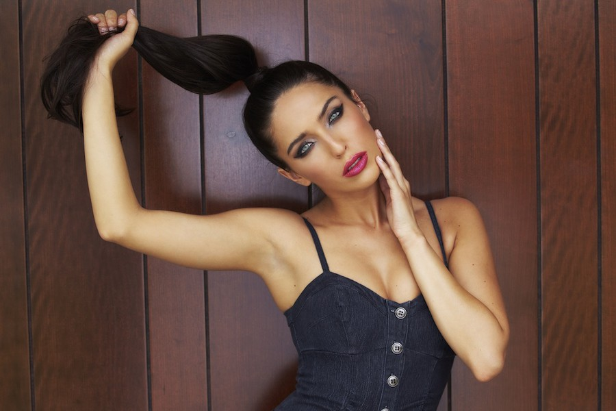 Chelsea Pereira model & actress. Photoshoot of model Chelsea Pereira demonstrating Face Modeling.Face Modeling Photo #115410