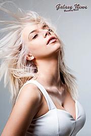 Christiana Karnezi model (Κλεοπάτρα Χριστιάνα Καρνέζη μοντέλο). Photoshoot of model Christiana Karnezi demonstrating Face Modeling.Φωτογράφος: Nikos ZachariadisHairstyle: Afroditi VasouΡούχα: ParanoiaFace Modeling Photo #115538
