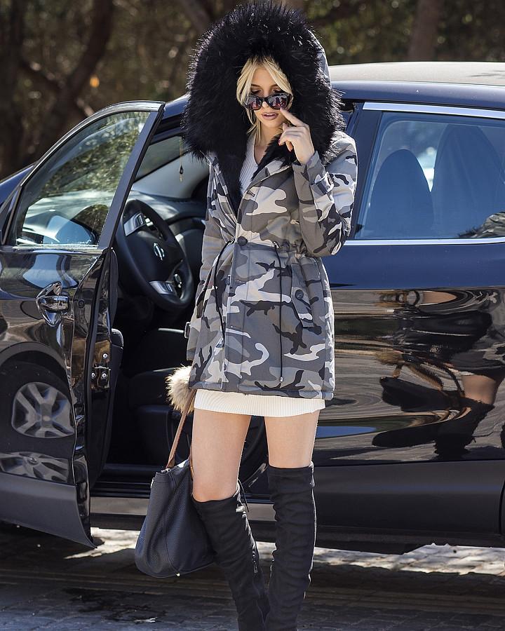 Christiana Karnezi model (Κλεοπάτρα Χριστιάνα Καρνέζη μοντέλο). Photoshoot of model Christiana Karnezi demonstrating Fashion Modeling.brand: Blueberry GlyfadaFashion Modeling Photo #188795