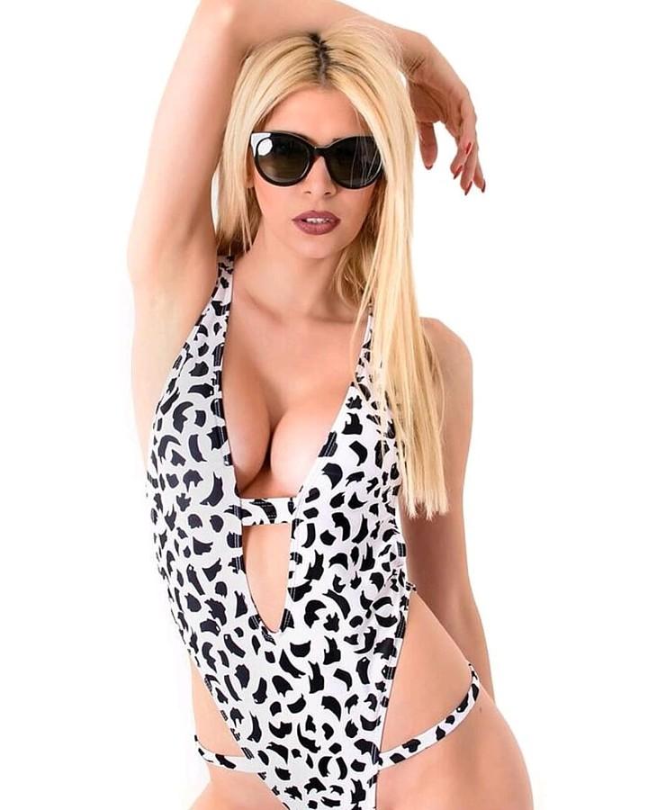 Christiana Karnezi model (Κλεοπάτρα Χριστιάνα Καρνέζη μοντέλο). Photoshoot of model Christiana Karnezi demonstrating Body Modeling.Body Modeling Photo #194481