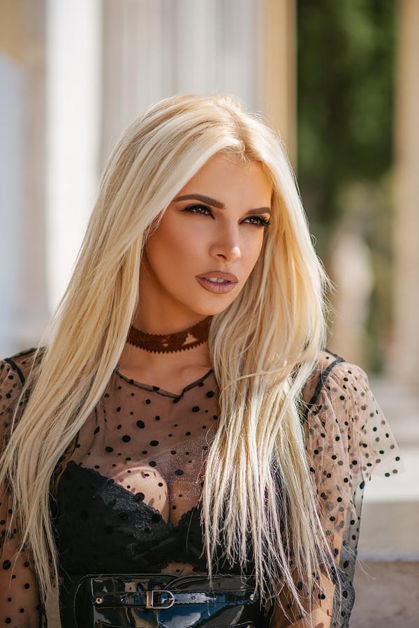 Christiana Karnezi model (Κλεοπάτρα Χριστιάνα Καρνέζη μοντέλο). Photoshoot of model Christiana Karnezi demonstrating Face Modeling.Face Modeling Photo #223136