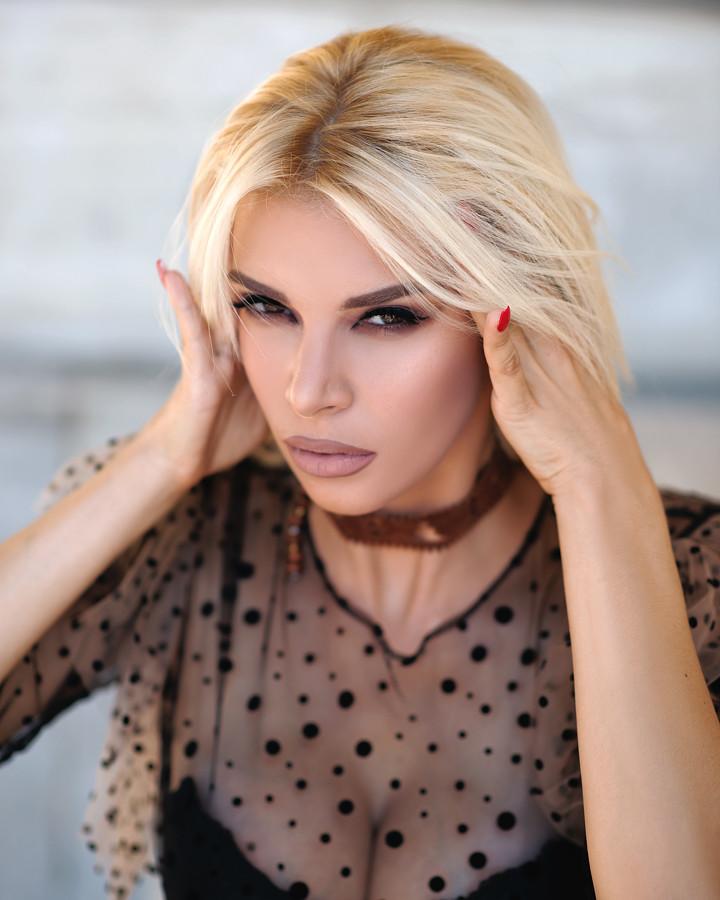 Christiana Karnezi model (Κλεοπάτρα Χριστιάνα Καρνέζη μοντέλο). Photoshoot of model Christiana Karnezi demonstrating Face Modeling.Face Modeling Photo #223137