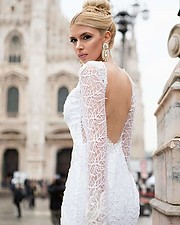 Christiana Karnezi was born on April 17, 1991 in Athens. She became Star Peloponnese in 2013 and took the 5th place at the Miss progress int