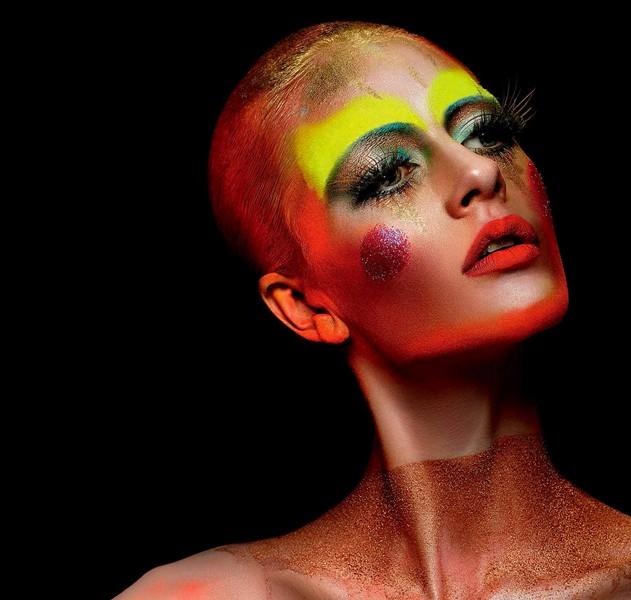 Christina Lutz makeup artist (maquilleur), B Agency Paris creative artist agency. Work by makeup artist Christina Lutz demonstrating Creative Makeup.Creative Makeup Photo #55588