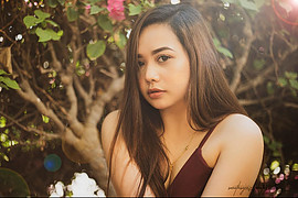 Christine Gonzalez model. Photoshoot of model Christine Gonzalez demonstrating Face Modeling.Sir  Sarath Sajeev, is one of the great photographer in Noon Company. He has a lot of experience in his field. So much thankful cause hes giving me the cha