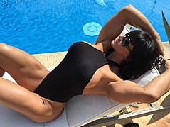 Cindy Landolt fitness model. Photoshoot of model Cindy Landolt demonstrating Body Modeling.Body Modeling Photo #147320