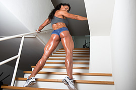 Cindy Landolt fitness model. Photoshoot of model Cindy Landolt demonstrating Body Modeling.Body Modeling Photo #94922