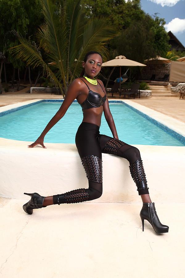Ciru Maina model. Ciru Maina demonstrating Fashion Modeling, in a photoshoot by Jon Lee.Photographer: Jon LeeFashion Modeling Photo #103377