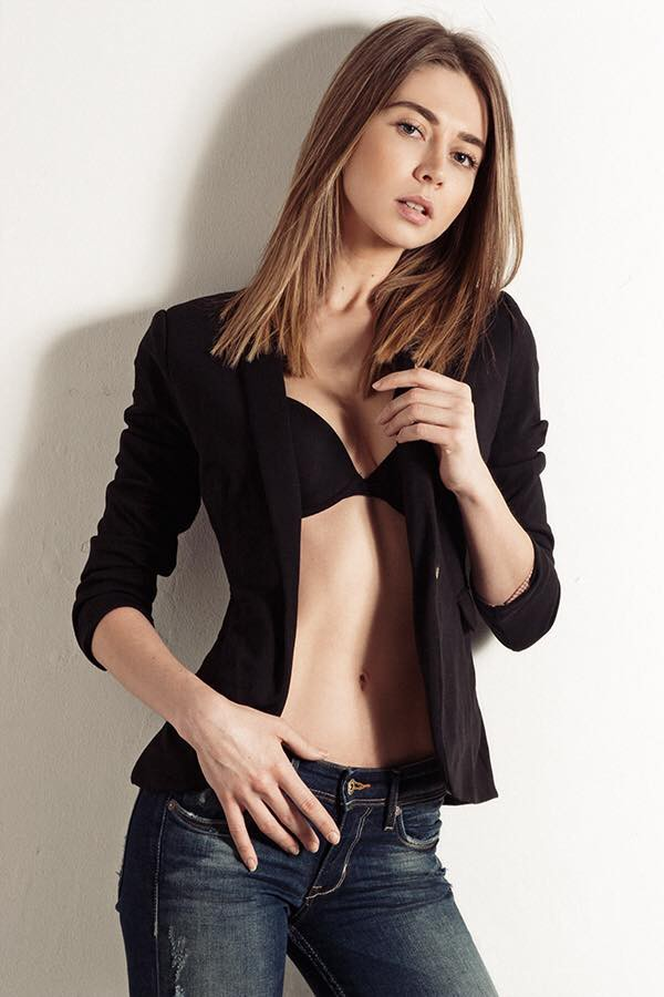 Claudia Marusanici model & photographer. Photoshoot of model Claudia Marusanici demonstrating Fashion Modeling.Fashion Modeling Photo #131699