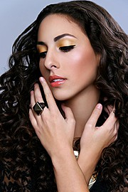 Cristiana Giachetti model. Photoshoot of model Cristiana Giachetti demonstrating Face Modeling.Face Modeling Photo #85056