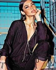 Crystal Toi Winston model. Photoshoot of model Crystal Toi Winston demonstrating Face Modeling.Face Modeling Photo #185443