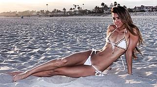Crystal Toi Winston model. Photoshoot of model Crystal Toi Winston demonstrating Body Modeling.Body Modeling Photo #204869