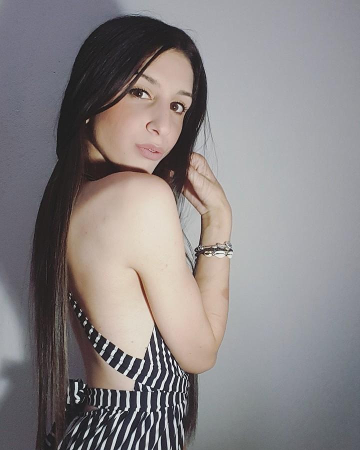 Dafni Lazaridou model (μοντελο). Photoshoot of model Dafni Lazaridou demonstrating Face Modeling.Face Modeling Photo #217244
