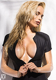 Dani Mathers model. Photoshoot of model Dani Mathers demonstrating Body Modeling.Body Modeling Photo #113977