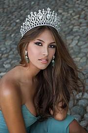 Daniela Chalbaud model. Photoshoot of model Daniela Chalbaud demonstrating Face Modeling.Face Modeling Photo #105298