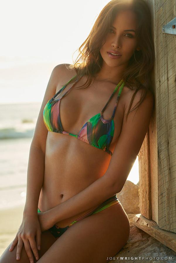 Daniela Chalbaud model. Photoshoot of model Daniela Chalbaud demonstrating Body Modeling.Body Modeling Photo #135021