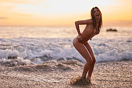 Daniela Chalbaud model. Photoshoot of model Daniela Chalbaud demonstrating Body Modeling.Body Modeling Photo #135024