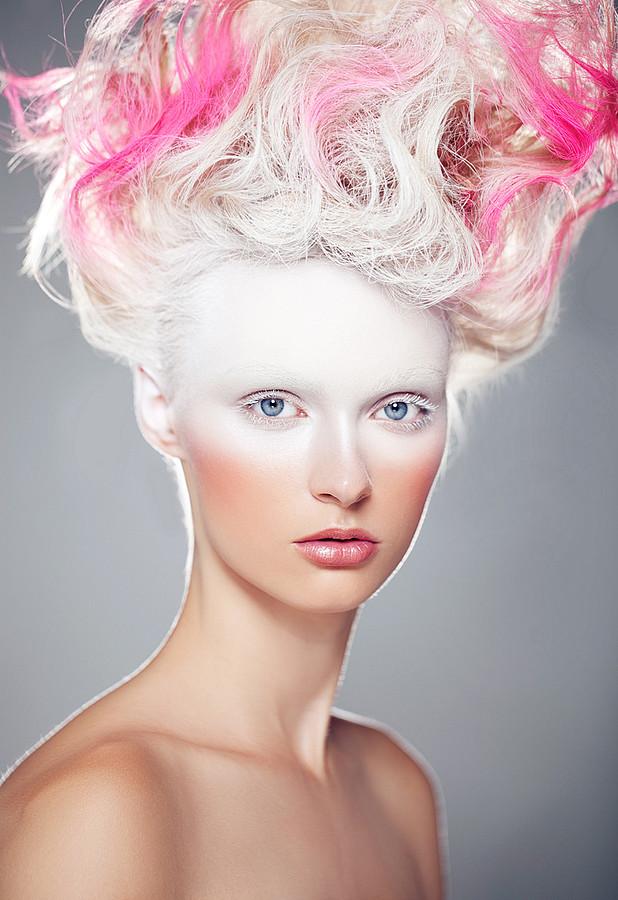 Daria Alexandrova photographer (Дарьи Александровой фотограф). Work by photographer Daria Alexandrova demonstrating Portrait Photography.Hair ColoringPortrait Photography,Creative Makeup Photo #58319