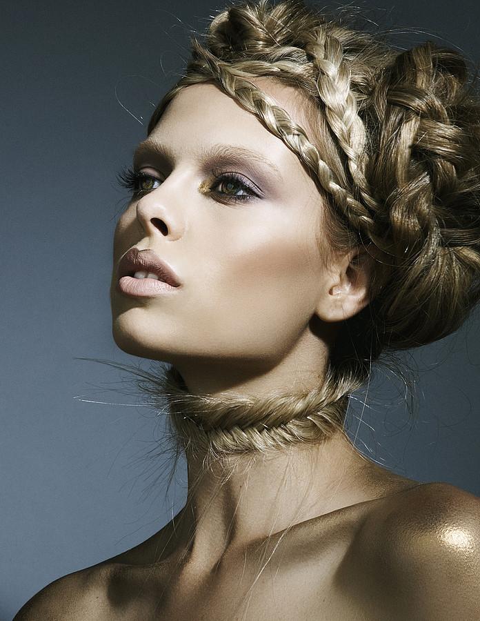 Daria Pershina model (Дарья Першина модель). Daria Pershina demonstrating Face Modeling, in a photoshoot by Bradford Rogne.photographer: bradford rogneFace Modeling Photo #165793