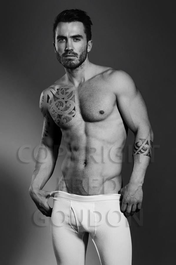 David Lerebourg model (modèle). Photoshoot of model David Lerebourg demonstrating Body Modeling.Body Modeling Photo #91572